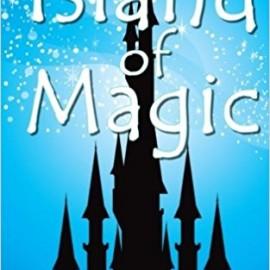Book Review: Island of Magic by @roxannesmolen