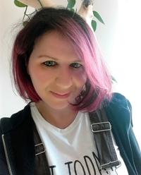 Anna Katmore, author | Tour organized by YA Bound | www.angeleya.com